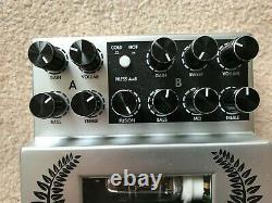 Two Notes Le Clean valve pre-amp pedal with original box and power supply