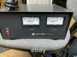 Astron Rs-35m 35 Amplifié Alimentation En Courant Continu Avec Dual Meters Working Nice Look